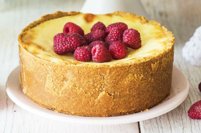 Labnes-Free Cheesecake: Yogurt Cake Recipe