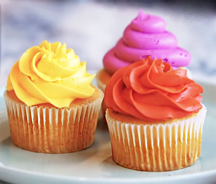 Buttercream Swirl Frosting Icing