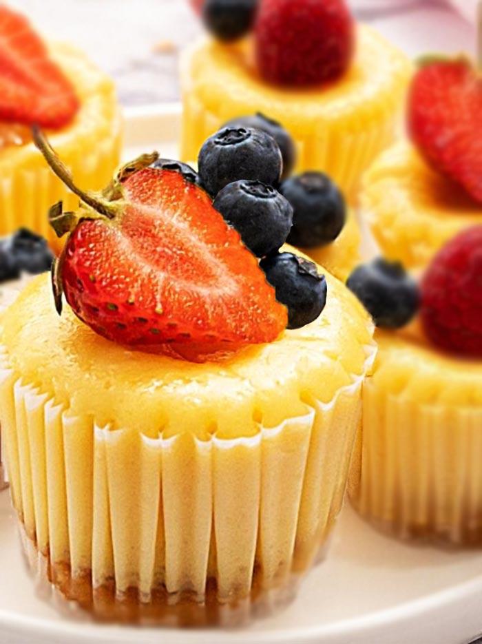 mini-cheesecakes-with-vanilla-wafers