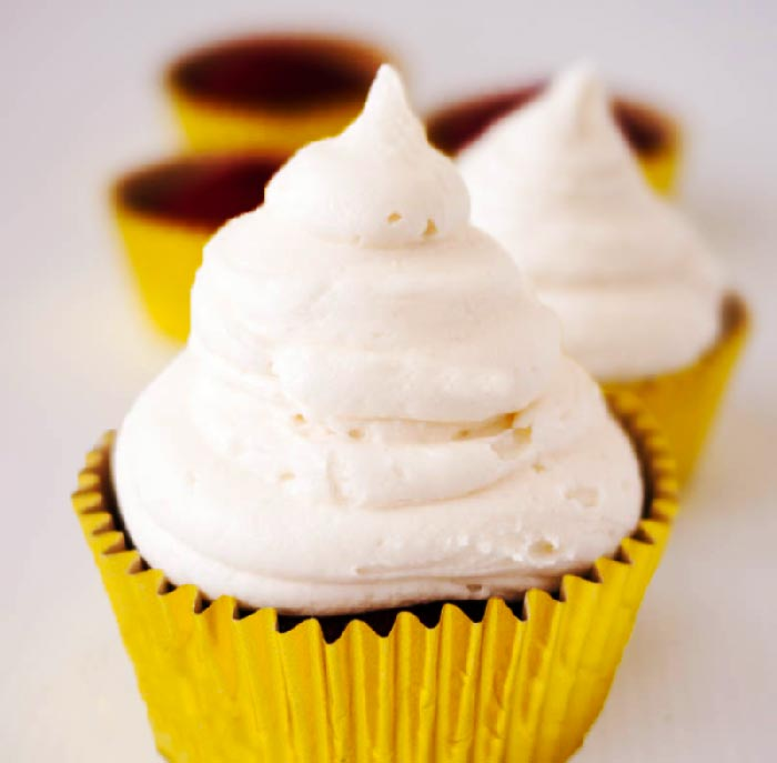 no-butter-cream-cheese-frosting